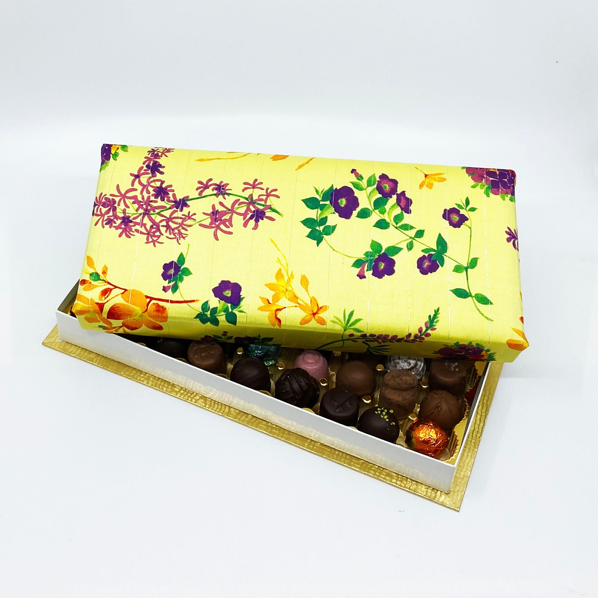 36 Piece Yellow Silk Box