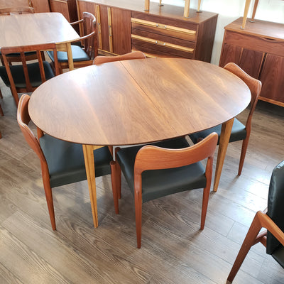 Mid Century Oval Walnut Dining Table by Deilcraft