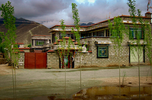 Modern Tibetan Home - Tracy McCrackin Photography