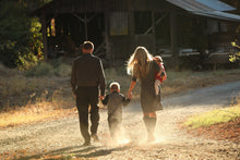 Load image into Gallery viewer, Family at the Farm