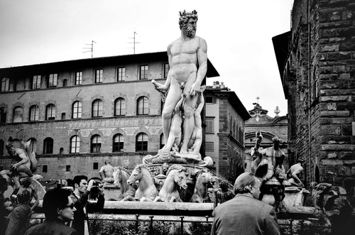 Florence Statutes People In Italy - Tracy McCrackin Photography