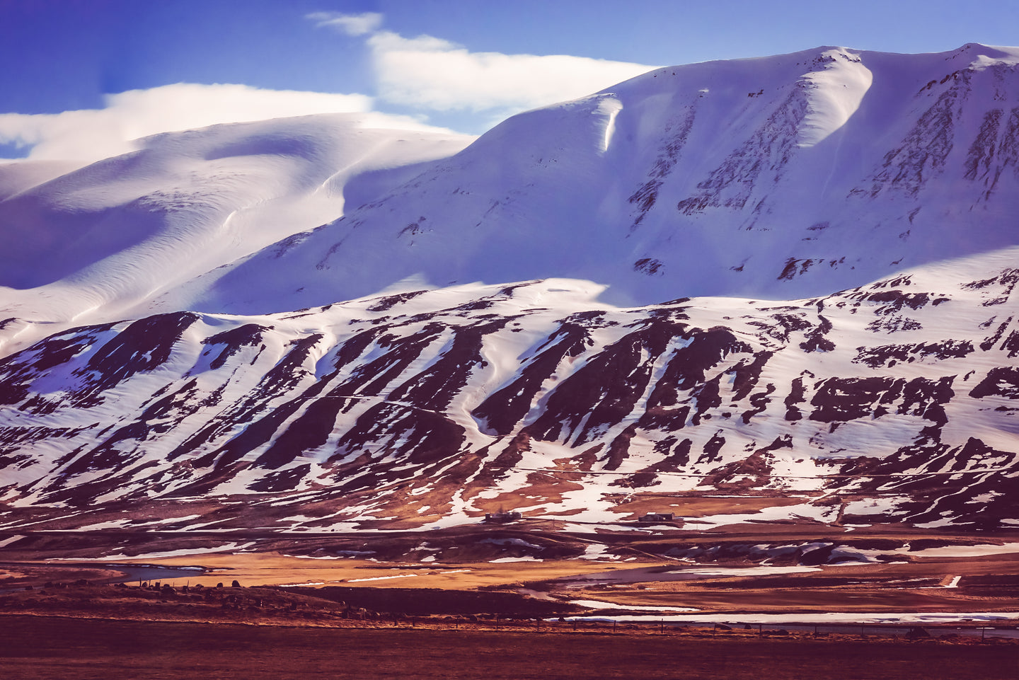 Icelandic Mountains and Valleys of Amazement