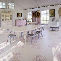 A Sweetly Stenciled Floor at Sweet South Cottage!