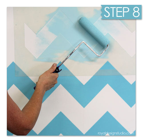 Stenciling an ombre paint finish
