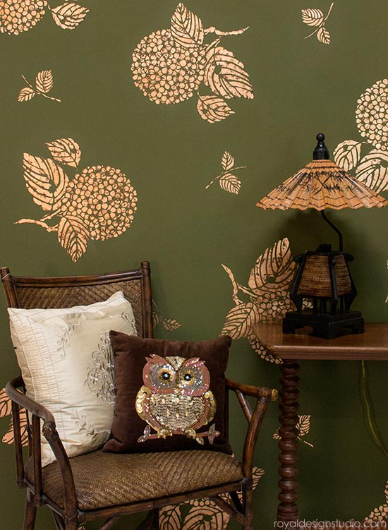 How to stencil a copper leaf floral wall finish using Royal Stencil Size