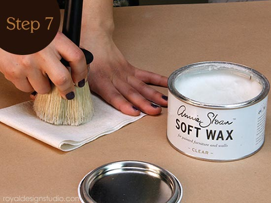 How to use Annie Sloan Soft Wax