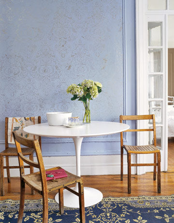 stenciled walls with metallic damask pattern in Country Living magazine