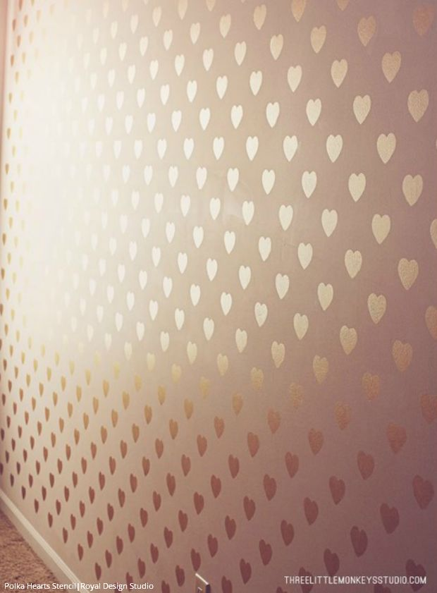 Gold wallpaper wall stencils diy ideas for metallic home for Girls bedroom paint ideas polka dots