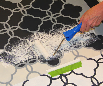 how to stencil a floor cloth | royal design studio stencils