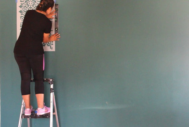 How to Stencil a Wallpaper Look for Less! Painting a Large Feature Wall with Pattern for Cheap!