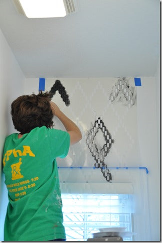 Stenciling a powder bath