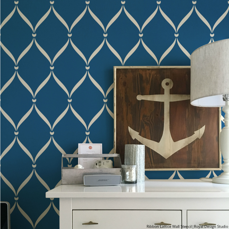 Ribbon Lattice Wall Stencil