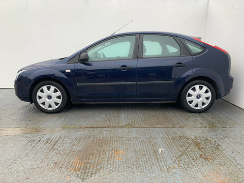 Ford Focus 1.6 LX Hatchback 5d 1596cc