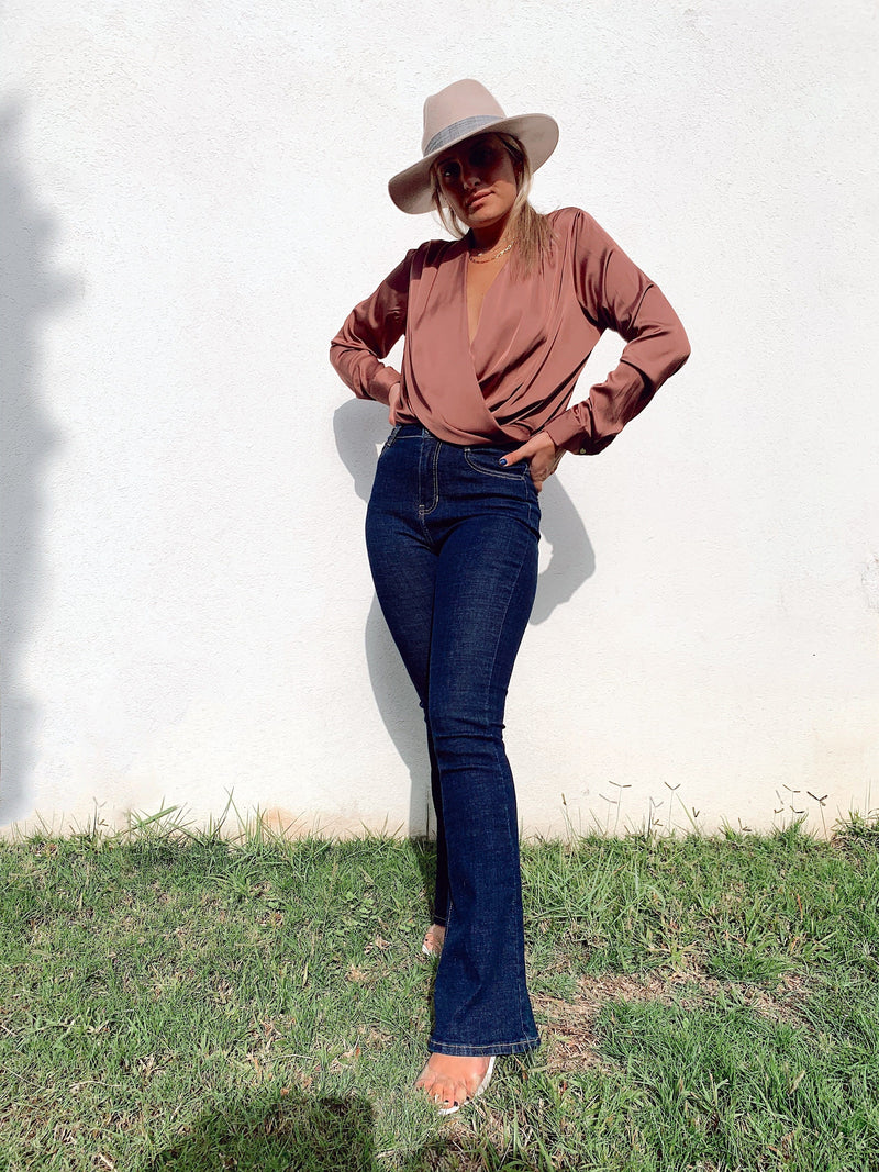 DEEP PLUNGE TOP IN DARK PINK - Top - Shop Fashion at LE TRÉ