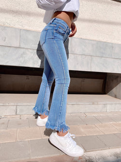 FLARE JEANS WITH FRAY HEM - Jeans - Shop Fashion at LE TRÉ