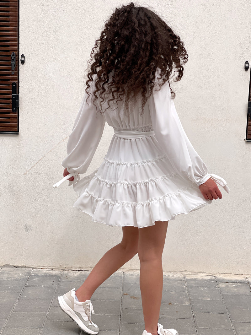MINI SMOCK DRESS WITH TIE BELT IN WHITE