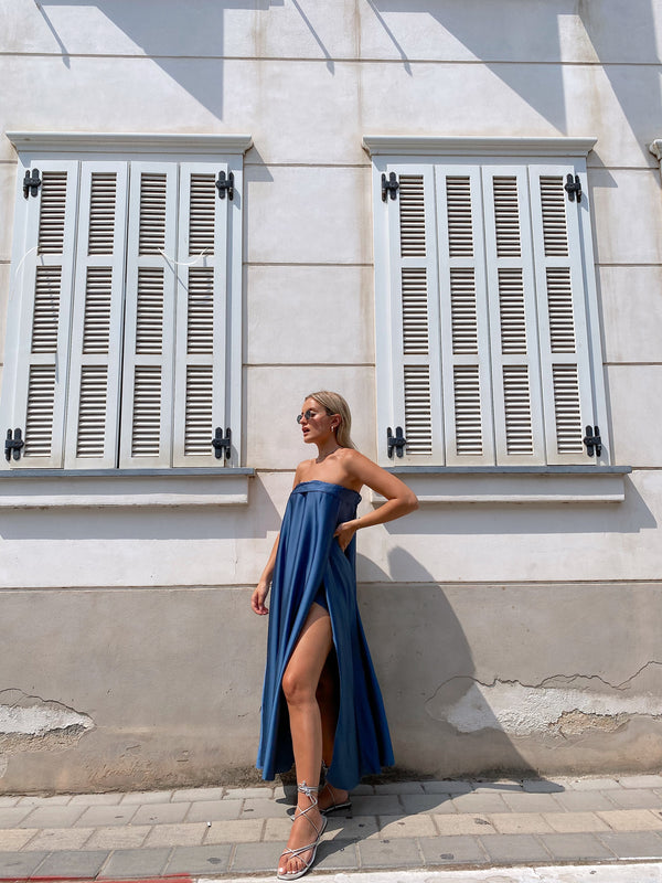 MAXI DRESS WITH SIDE SPLIT IN BLUE - Dress - Shop Fashion at LE TRÉ