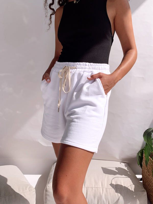JOGGER SHORT IN WHITE