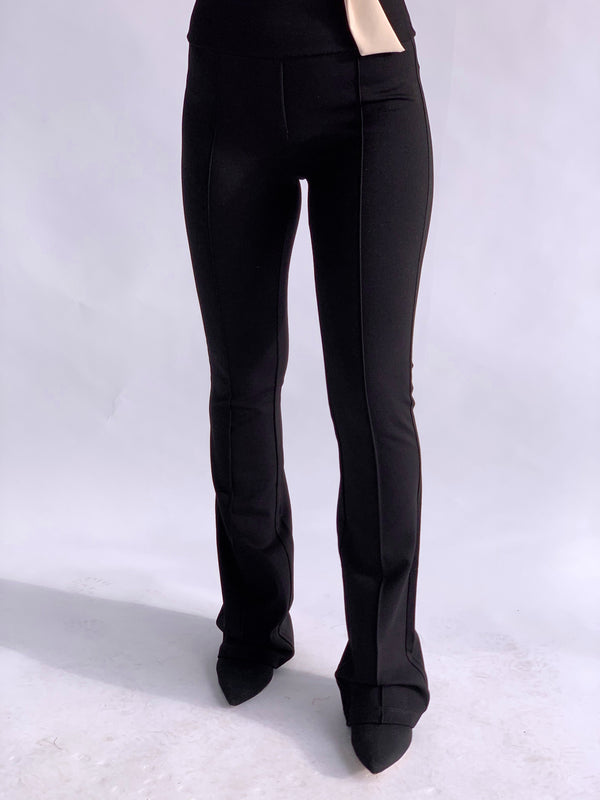 FLARE LEGGINGS IN BLACK