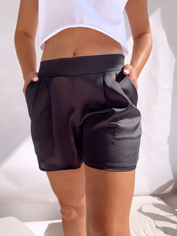 SATIN SHORT WITH POCKET