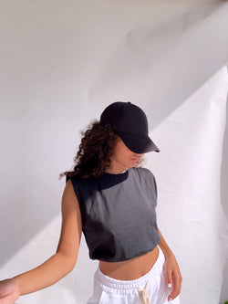 PADDED SHOULDER CROP TOP IN BLACK