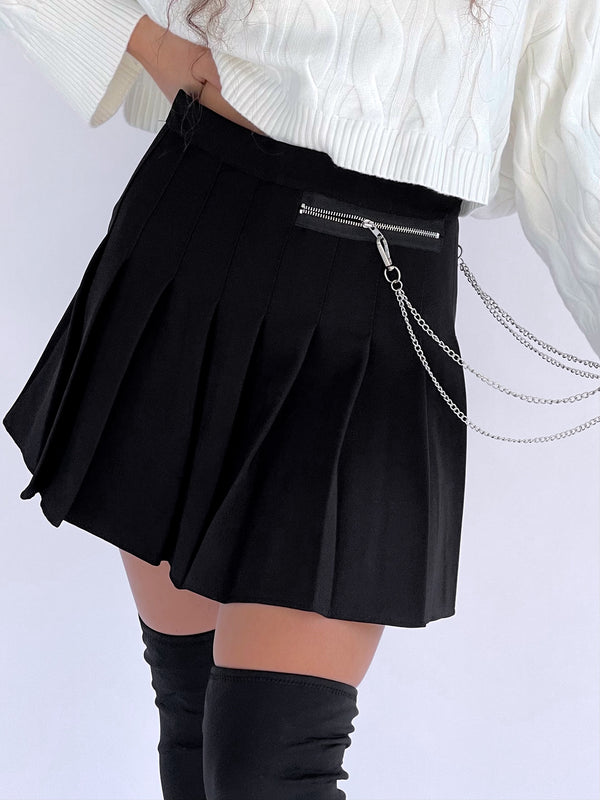 PLEATED MINI SKIRT WITH CHAIN DETAIL