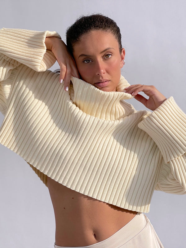 RIBBED CROP JUMPER IN CREAM