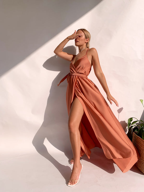 MAXI DRESS WITH SIDE SPLIT AND CROSS BACK