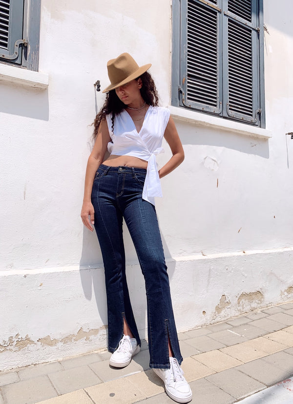 FLARE JEANS WITH SPLIT FRONT - Jeans - Shop Fashion at LE TRÉ
