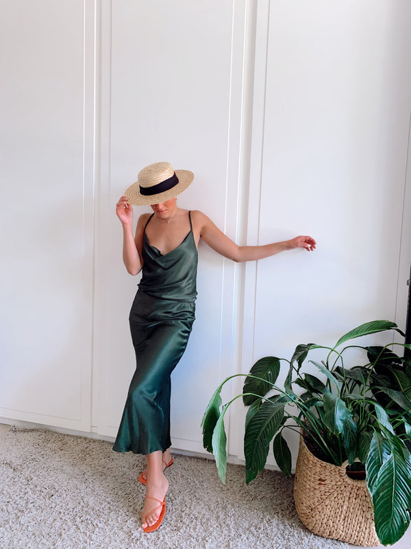 CAMI TOP WITH MATCH MAXI SKIRT IN GREEN SATIN - LE TRE