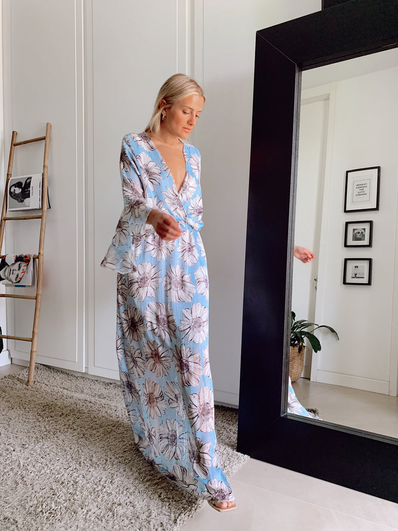 LIGHT BLUE MAXY DRESS - Dress - Shop Fashion at LE TRÉ