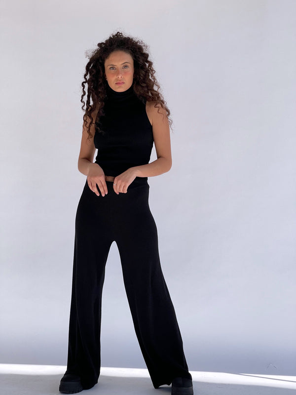 KNITTED WIDE LEG TROUSER