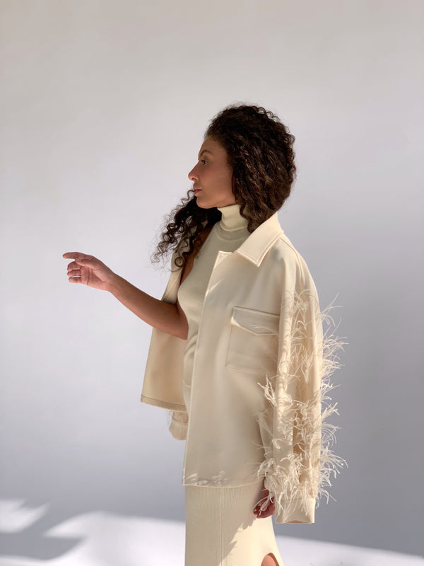 FAUX FEATHERD DETAIL JACKET IN CREAM