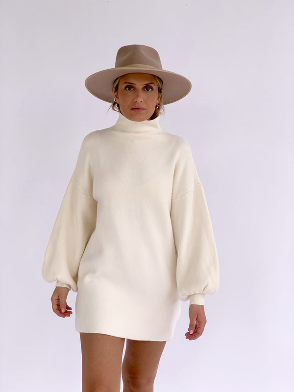 KNITTED DRESS WITH HIGH NECK