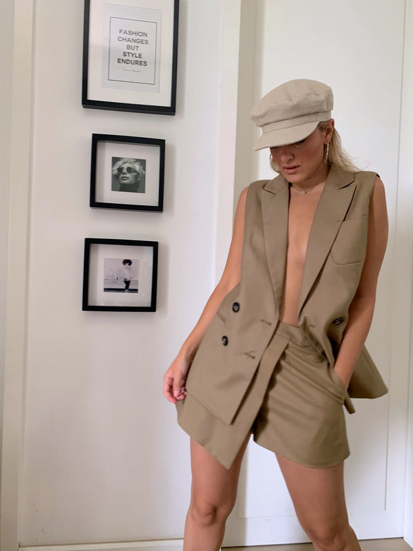 SLEEVELESS BLAZER WITH MATCH SUIT SHORTS - Set - Shop Fashion at LE TRÉ
