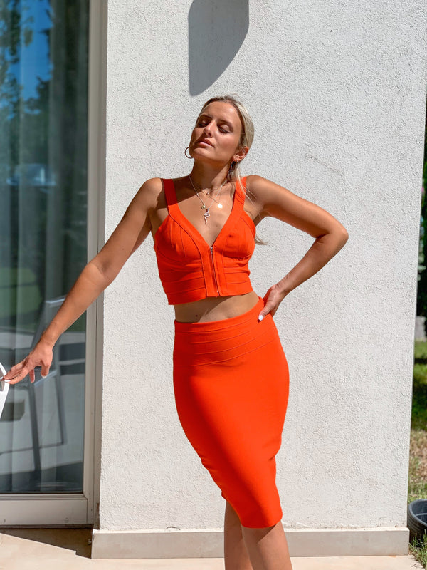ORANGE CROP TOP WITH FRONT ZIPPER - Top - Shop at Le Tré