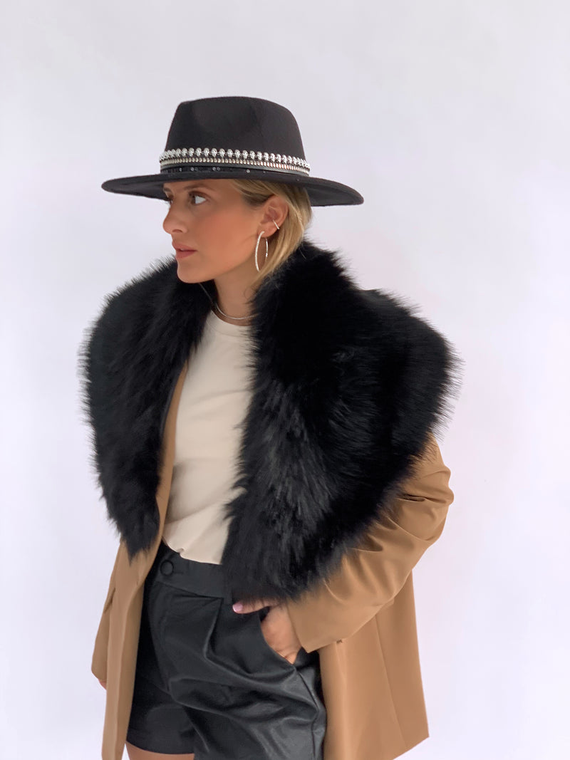 FAUX FUR COLLAR IN BLACK