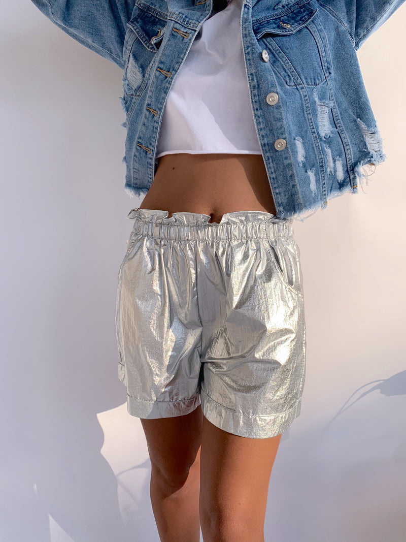 SHORTS IN SILVER