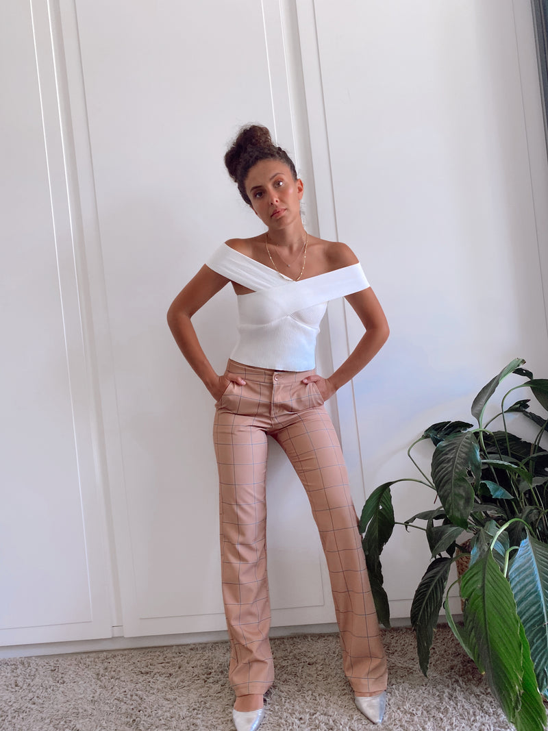 CROSS NECK RIB TOP IN WHITE - Top - Shop Fashion at LE TRÉ