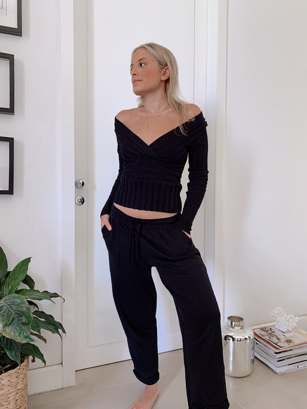 RIBBED WRAP TOP - Top - Shop Fashion at LE TRÉ