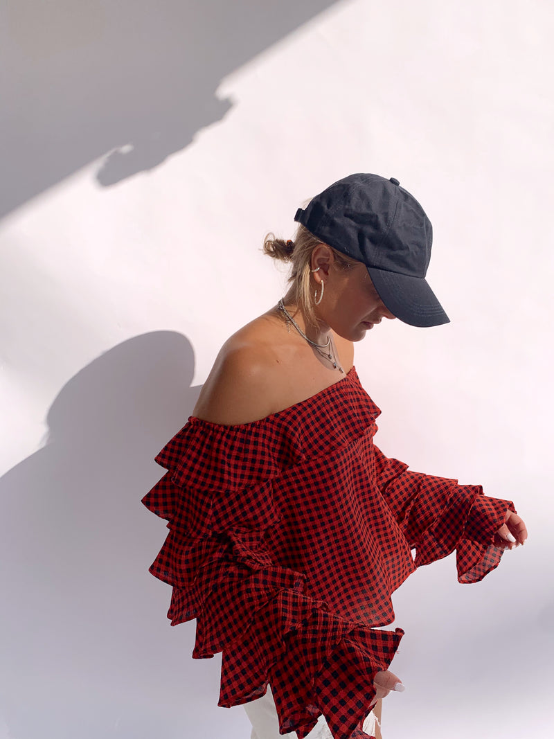 OFF SHOULDER TOP IN RED CHECKED