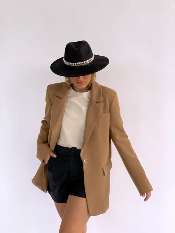 OVERSIZED BLAZER IN LIGHT BROWN
