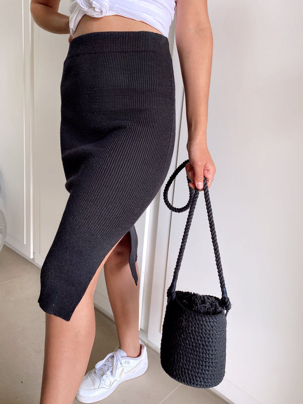 KNIT SKIRT WITH SIDE SPLIT - Skirt - Shop Fashion at LE TRÉ