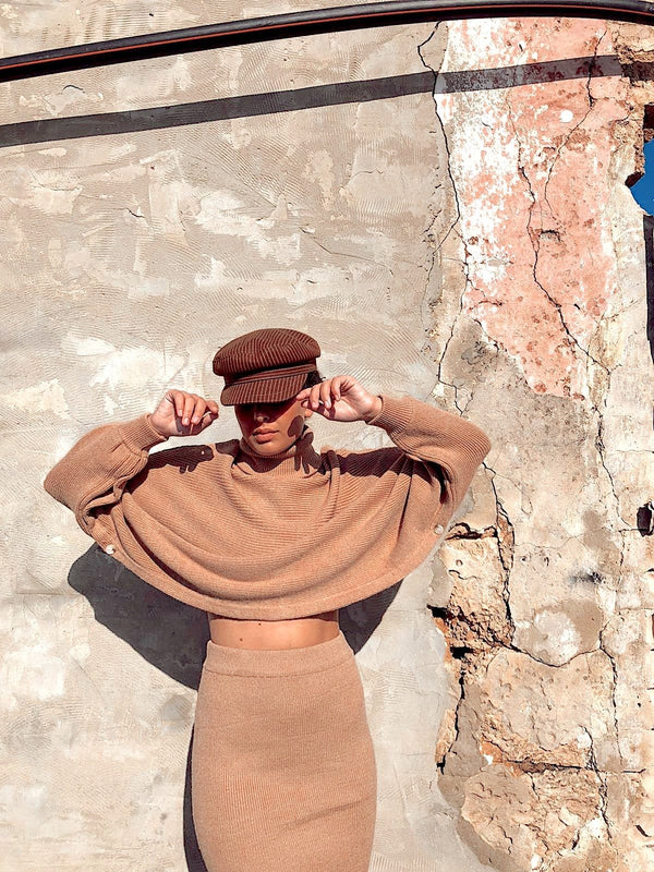 KNITTED CROP JUMPER AND SKIRT SET IN BEIGE Set LE TRÉ