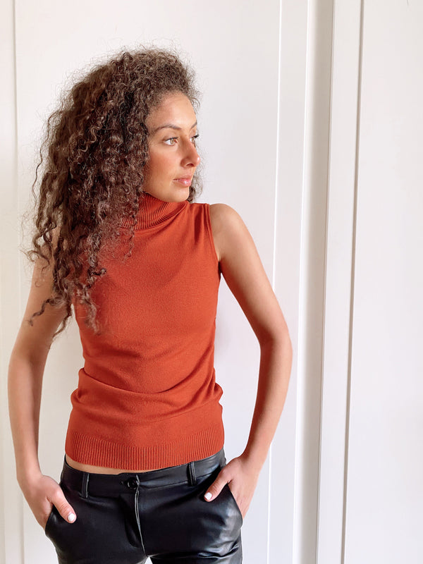 KNITTED ROLL NECK VEST IN RUST Knitwear LE TRÉ
