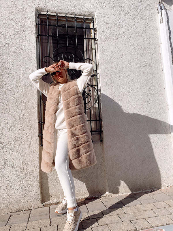 LONG FAUX FUR GILET - LE TRE