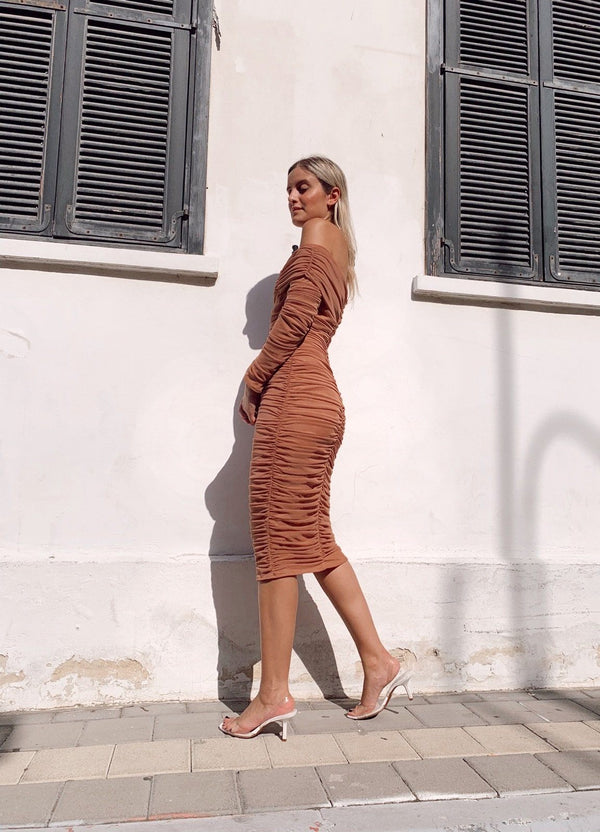 LONG SLEEVE RUCHED DRESS IN NUDE - Dress - Shop Fashion at LE TRÉ