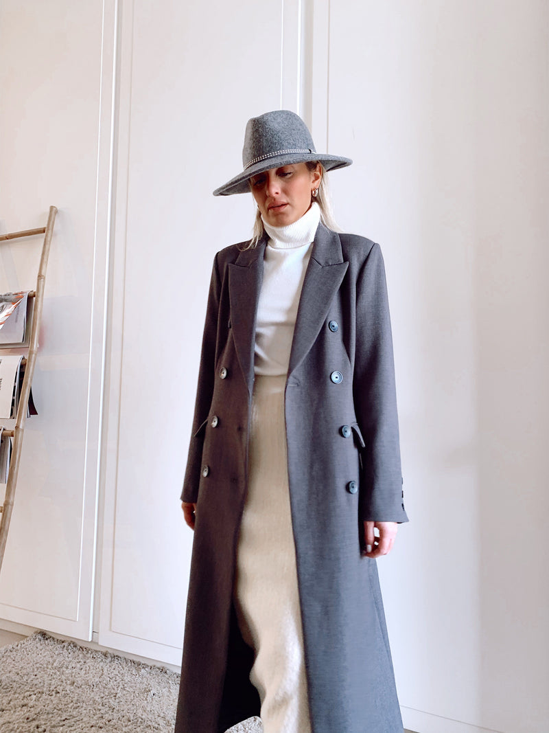 MAXI BELTED COAT IN DARK GREY - Coats & Jackets - Shop Fashion at LE TRÉ