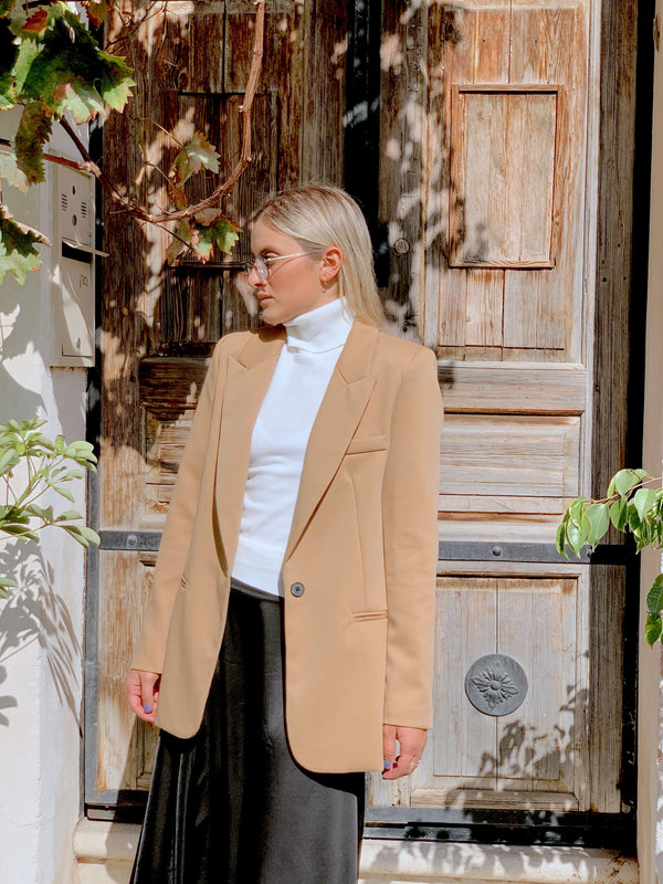 ONE BUTTON BLAZER IN BEIGE Coats & Jackets LE TRÉ