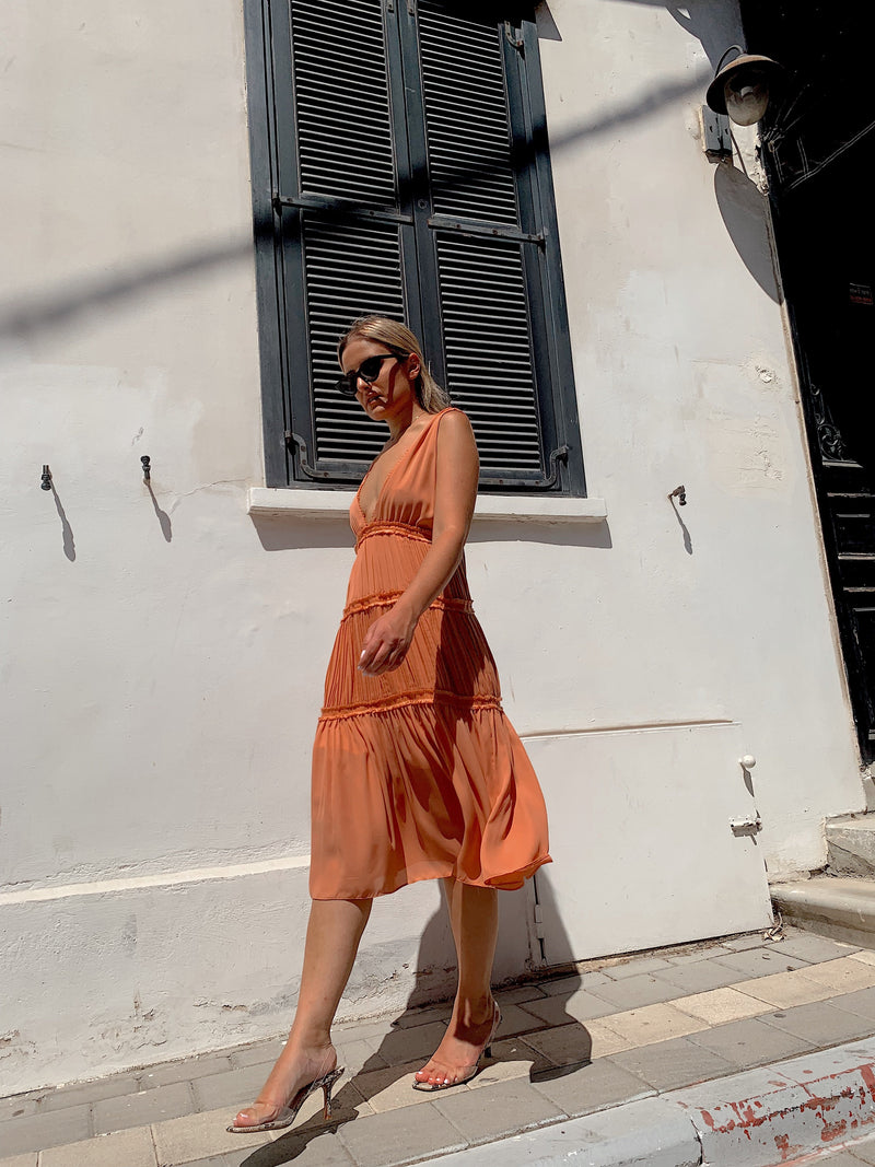 PEACH MIDI DRESS WITH LACE TRIM - Dress - Shop Fashion at LE TRÉ